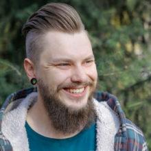 Со скольки лет начинает расти борода: что можно сделать для ускорения роста?