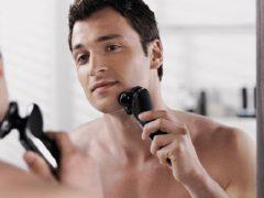 Как правильно бриться электробритвой: гладкая кожа за несколько минут