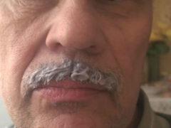 Как усы осветлить или обесцветить: все практикуемые методы
