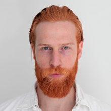 О чем говорит красная борода у человека?