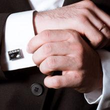 Для чего нужны запонки мужчинам: что это такое и с чем их носить?