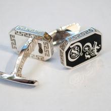 Мужские запонки из серебра: виды, фото и цены