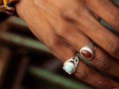 Значение колец на пальцах у мужчин: от мизинца до большого пальца