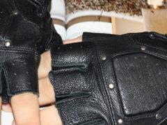 Мужские автомобильные перчатки: кожаные, без пальцев и другие