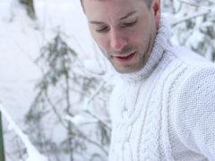 Как определять размеры мужских свитеров: таблица и советы