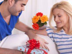 Что подарить жене на день свадьбы: советы и рекомендации
