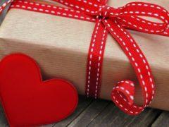 Какой выбрать подарок девушке на 14 февраля?