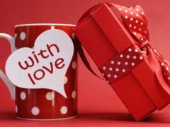 Что подарить девушке: идеи для классных подарков