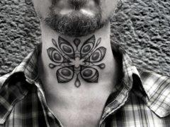 Красивые татуировки на шею для мужчин: 72 фото