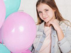 Что можно подарить 14 летней девушке на день рождения?