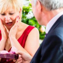 Что подарить женщине на 50 лет?