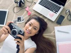 Что подарить девушке из техники: популярные гаджеты