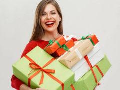 Подарок в коробке для девушки или женщины