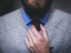 5 привычек мужчины, из-за которых одежда выглядит неопрятно